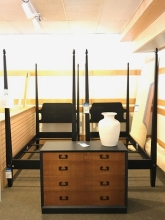twin-four-poster-beds-bureau
