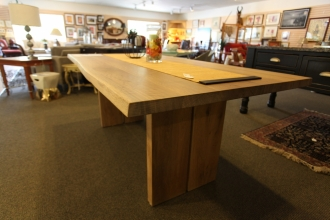 hardwood-rustic-table